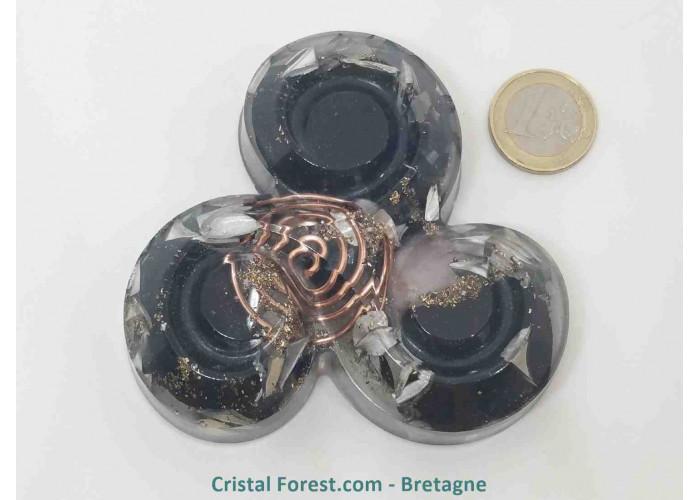 Orgonite de  Shungite - Triskèle - Petit modèle : 4,7 x 1,6 cm - Shungite + Quartz rose