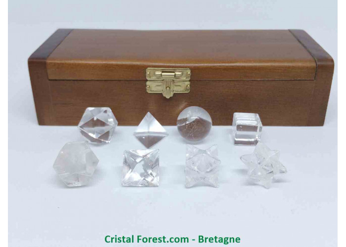 Cristal de roche - Coffret des 5 solides de Platon plus 3 formes géométriques - Environs 1.2 à 2.2cm