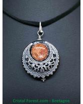 Pierre de Soleil - Pendentif Croissant de Lune-  Silver Filled (10% d'argent 925)