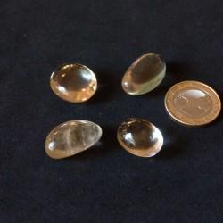 Citrine - pierre gemme naturelle polie à la main