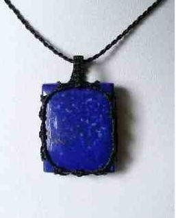 pendentifs en lapis lazuli bleu